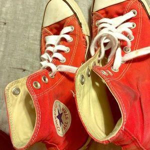 Red Converse (7 Men's 9 Women's)
